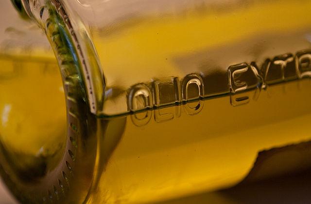 5 ricette con cui aromatizzare l'olio extravergine d'oliva