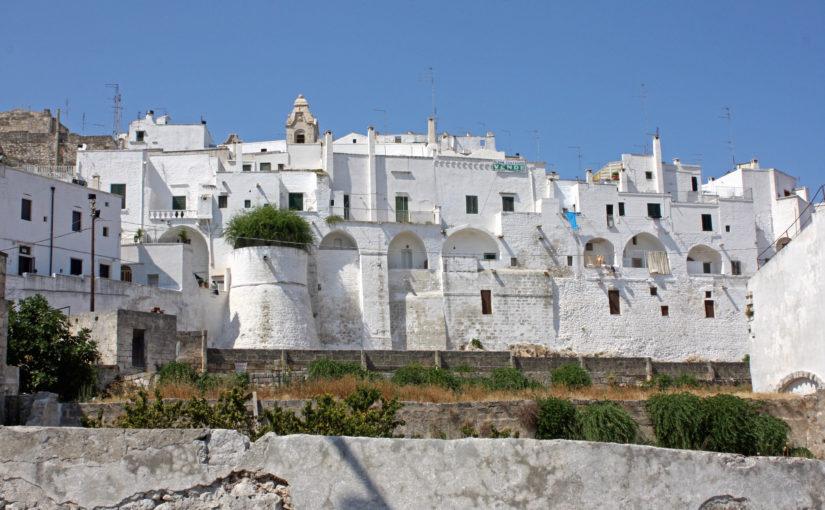 Ostuni, una perla bianca nel cuore della Puglia